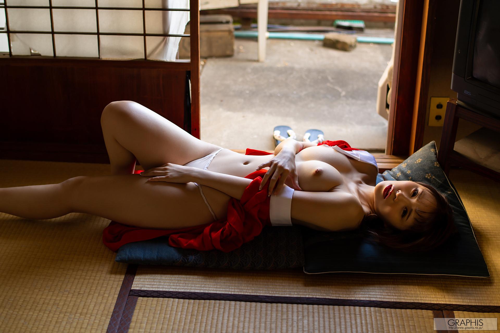 伊藤舞雪エロ画像