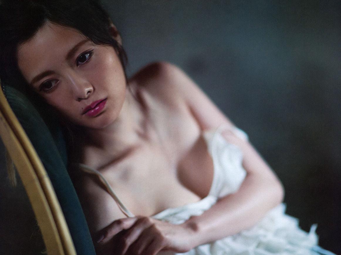 白石麻衣セクシー画像